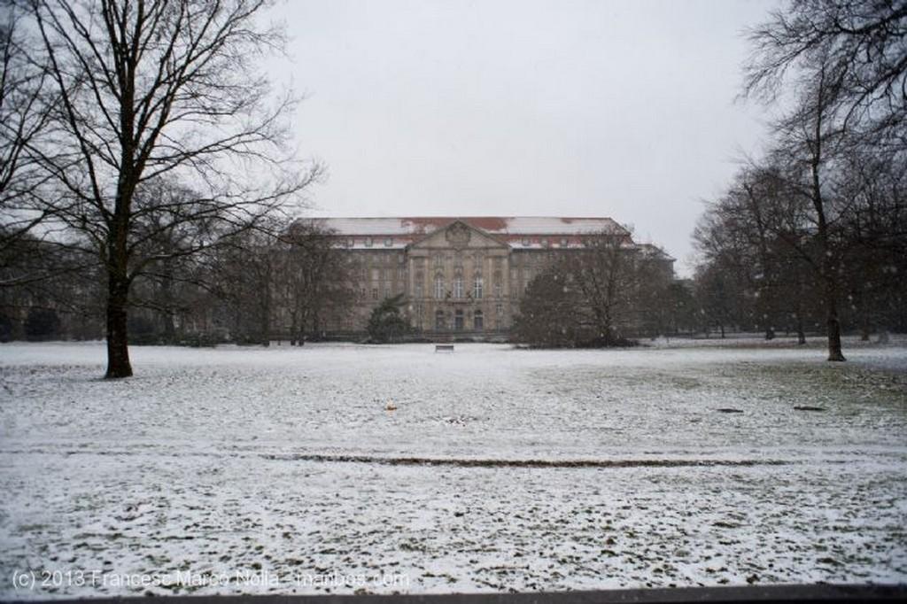 Berlin Edificio que Sobrevivio Berlin