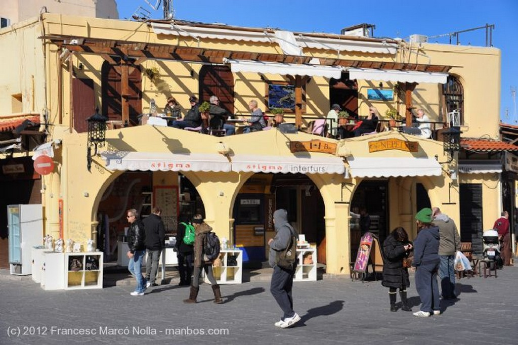 Isla de Rodas Plaza de Santa Catalina Rodas