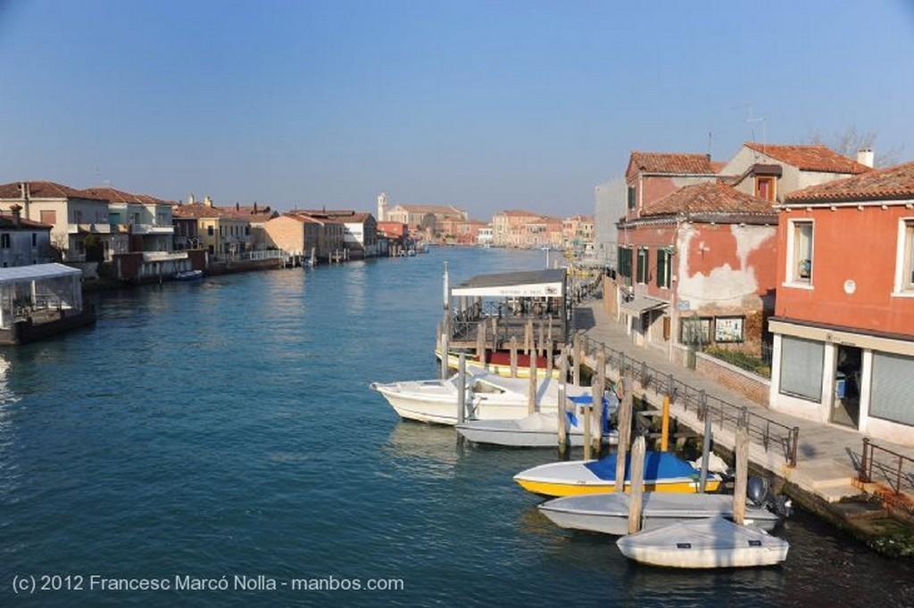 Murano Vaporeto Bajo el Puente Venecia