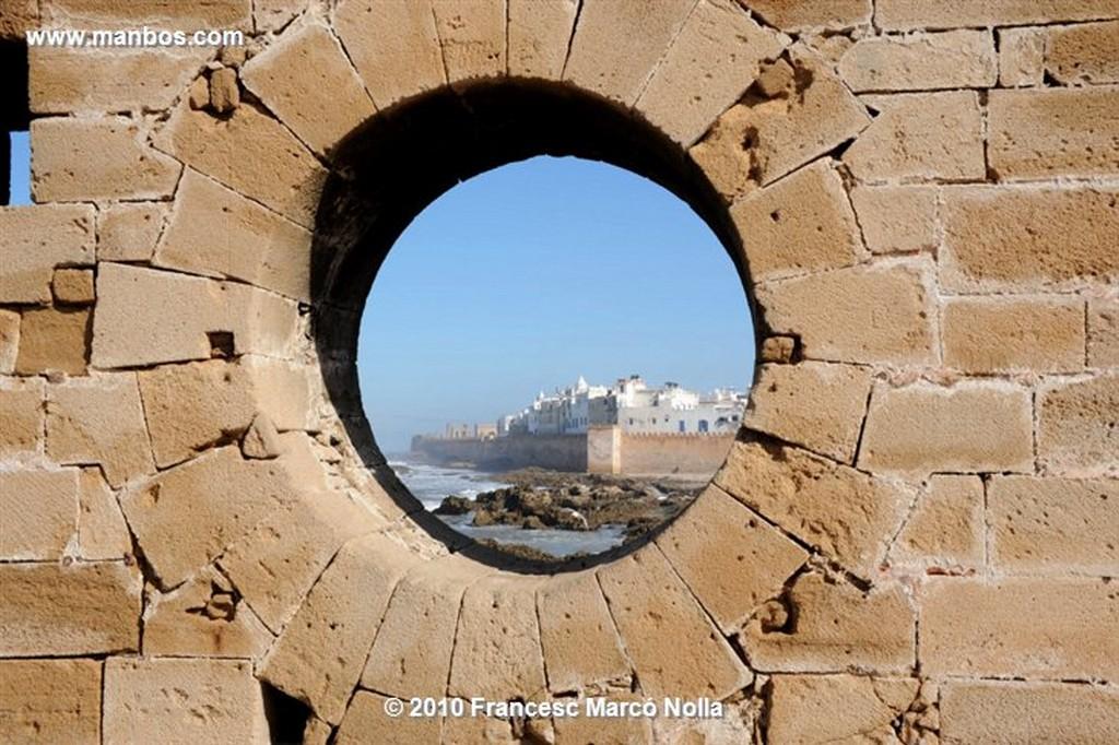 Marruecos  olas contra los arrecifes- esaouira Marruecos