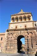 Porta Nuova , Palermo , Italia