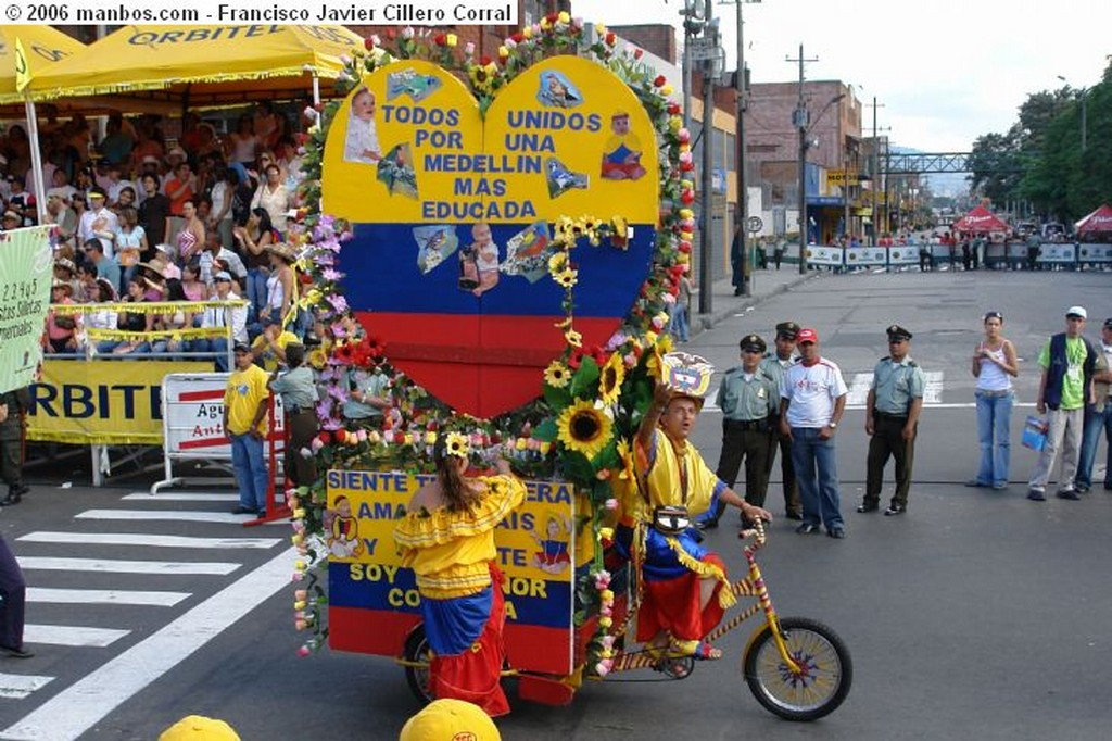 Medellín Carabineros (policía a caballo) Antioquia
