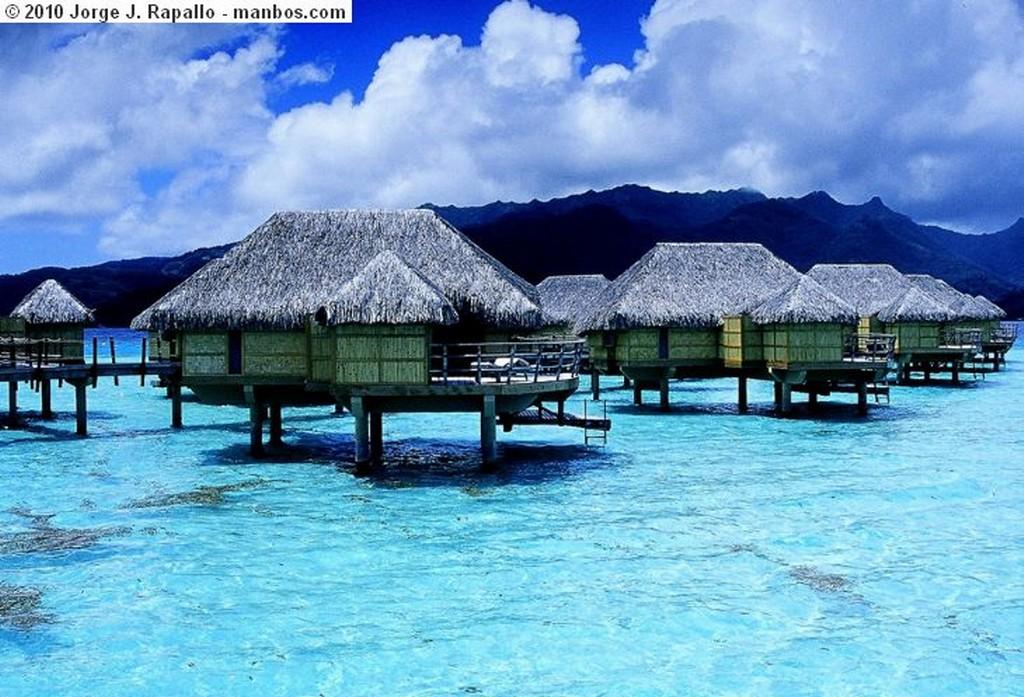 Isla  de Tahaa Dormir sobre el coral Isla de Tahaa