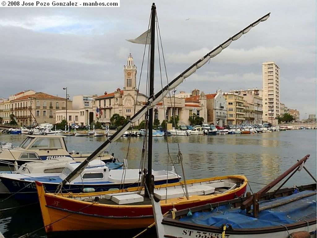 Beziers Ecluses de Fonseranes Languedoc Roussillon
