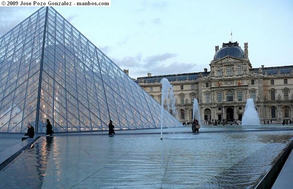 Paris Vigilando la Ciudad Paris
