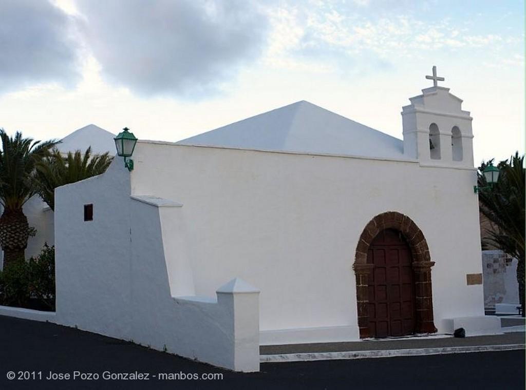 Yaiza Vinas contra el viento Lanzarote