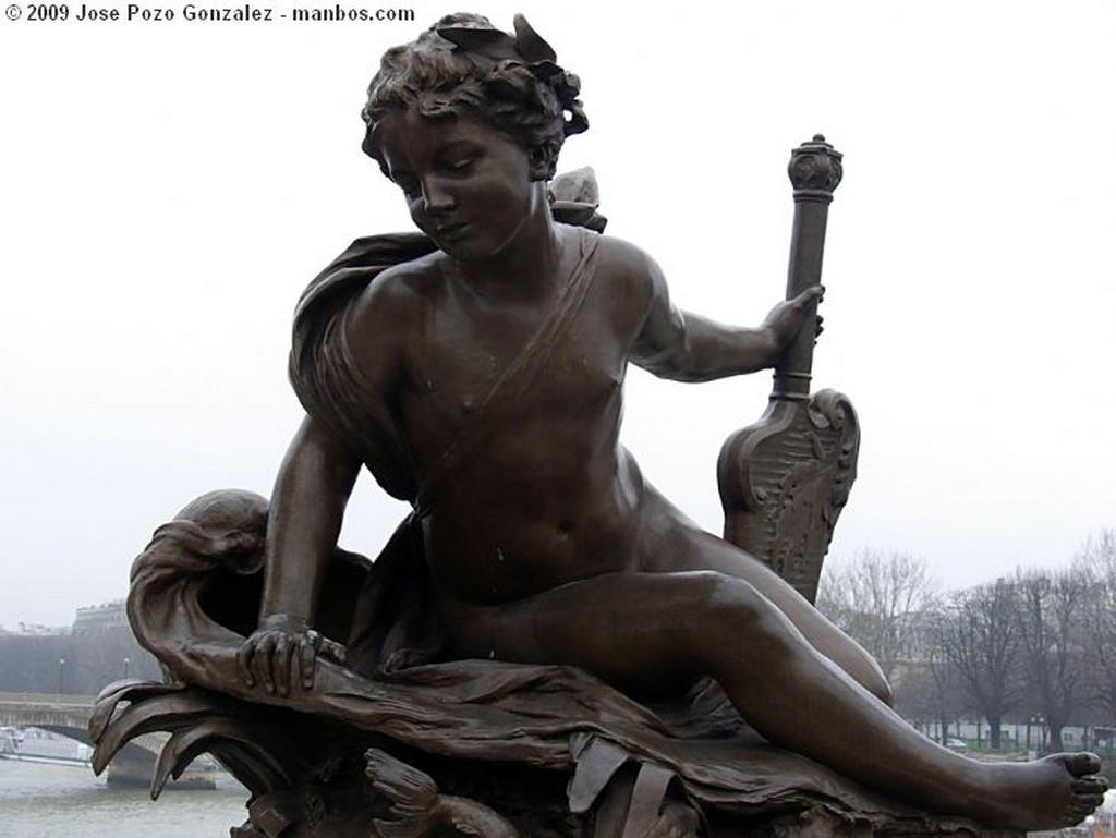 Paris Museo en el Parque Paris