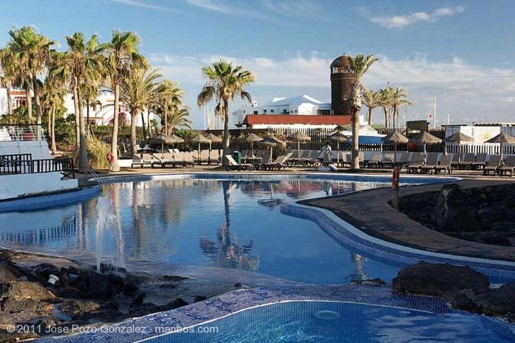 Caleta de Fustes Flor Roja Fuerteventura
