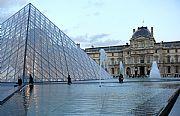 Piramide del Louvre, Paris, Francia