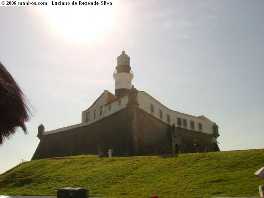 Salvador Forte de la Barra vista de lejos Bahia