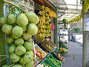 Camara Sony CyberShot DSC-S500 Mercado de frutas tropicales en la calle Luciano de Rezende Silva SALVADOR Foto: 10584