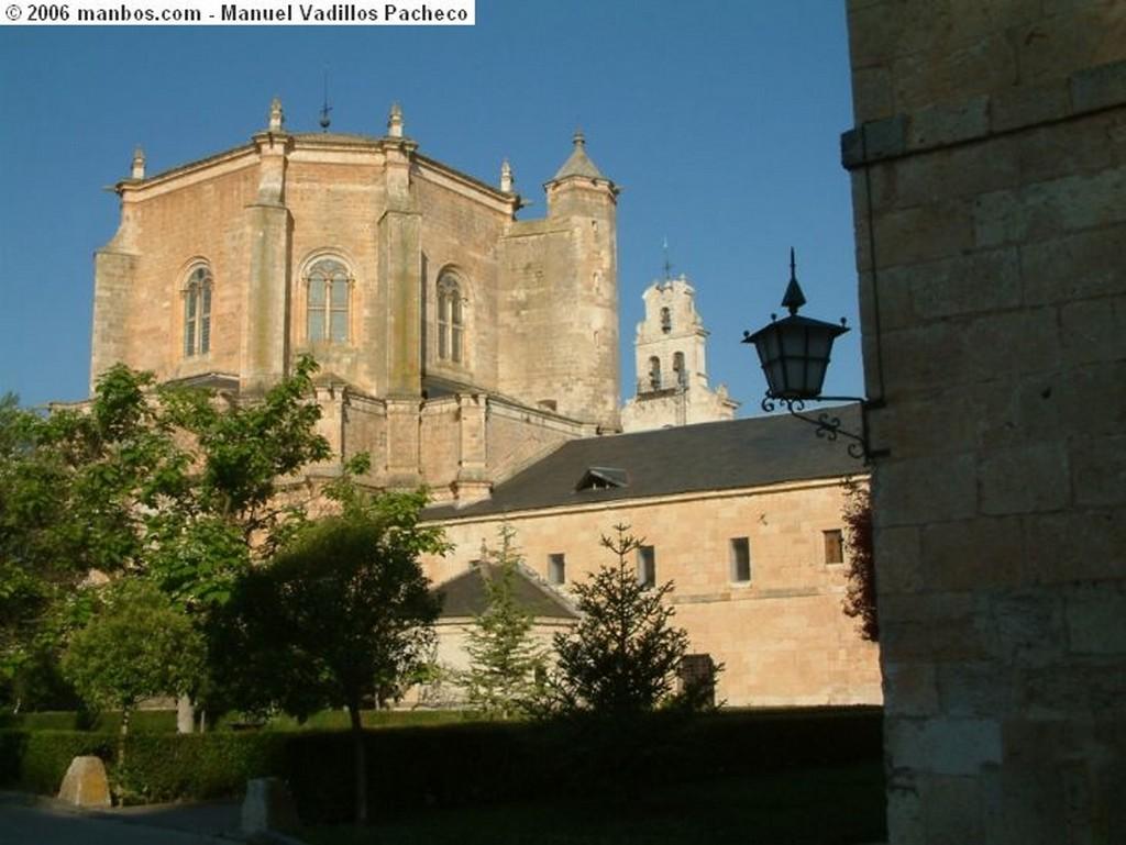 Monasterio Santa Maria de la Vid Fachada principal Burgos