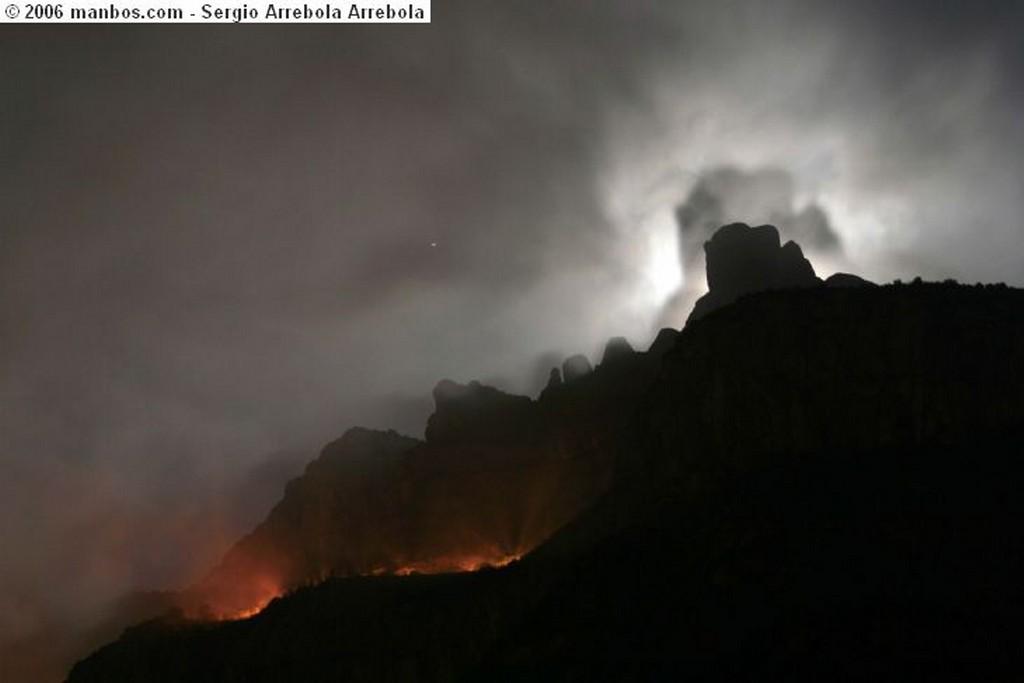 Sierra de Montserrat Montserrat tenebrosa Barcelona
