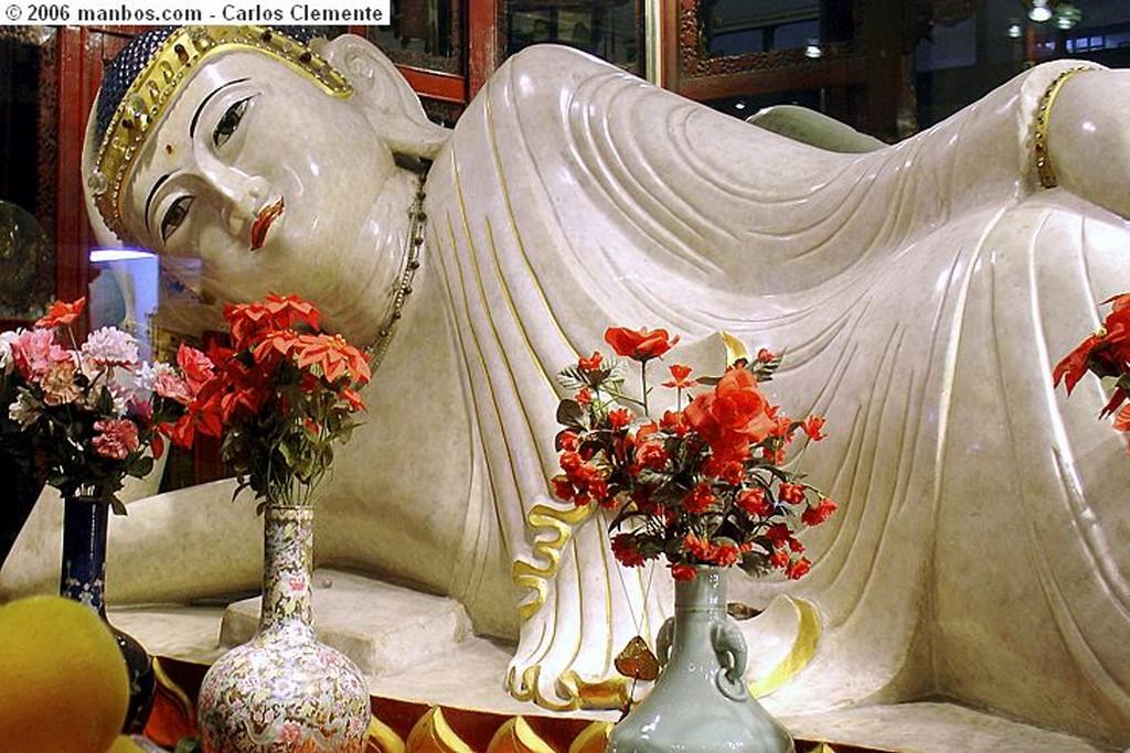 Photo of Shanghai, China - Templo de Buda de Jade