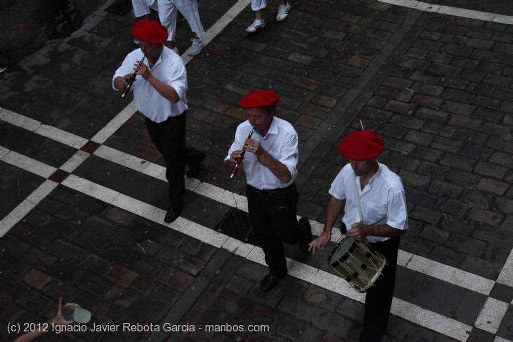 Pamplona Preparando la calle Estafeta Navarra