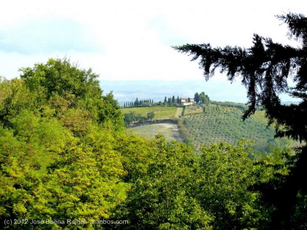San Gimignano Horizonte de colinas Siena
