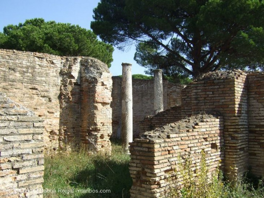 Ostia Antica Tempio Rotondo Roma