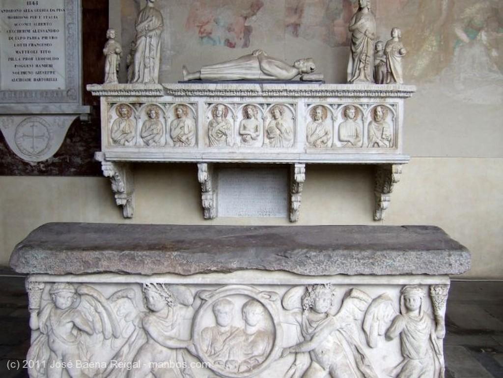 Pisa Sarcofago romano Toscana