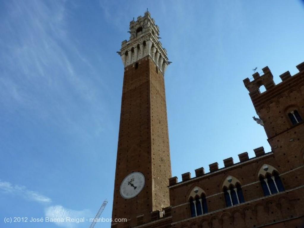 Siena Portada Toscana