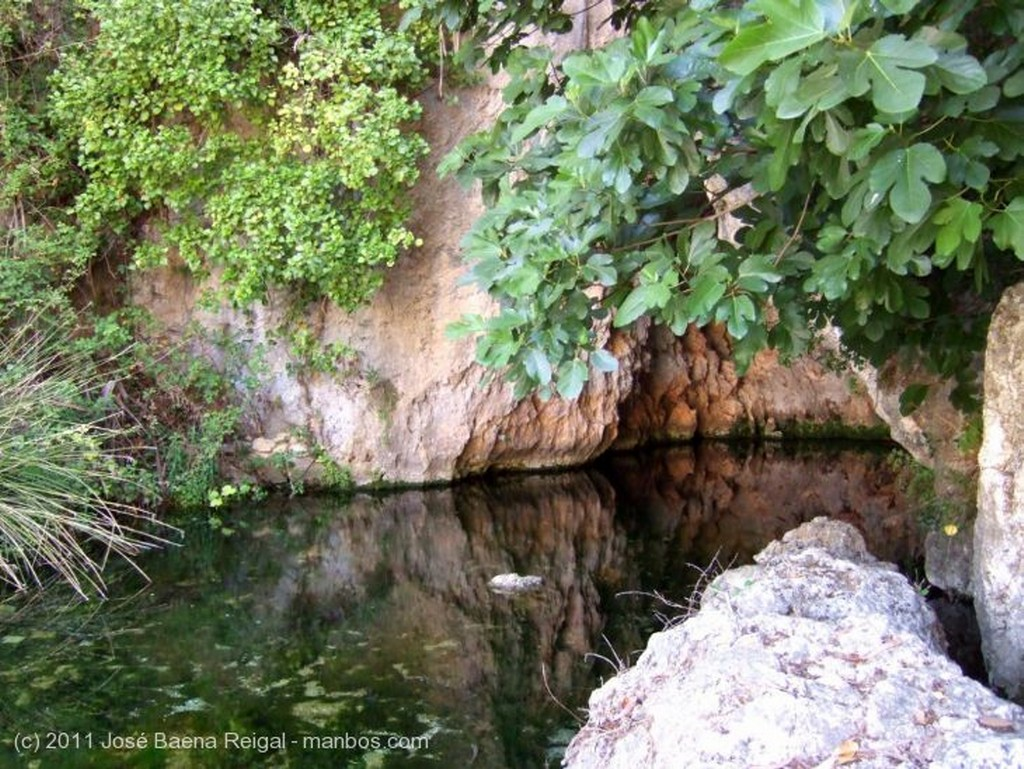 Valle del Genal Cueva del Agua Malaga
