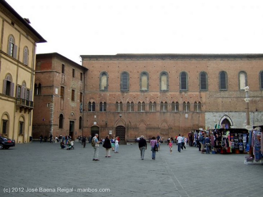 Siena Pozo del patio Toscana