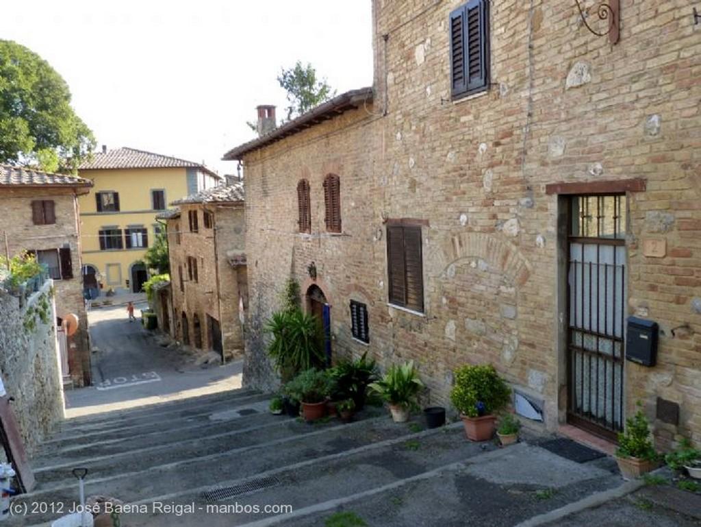 San Gimignano Anochecer rosado Siena