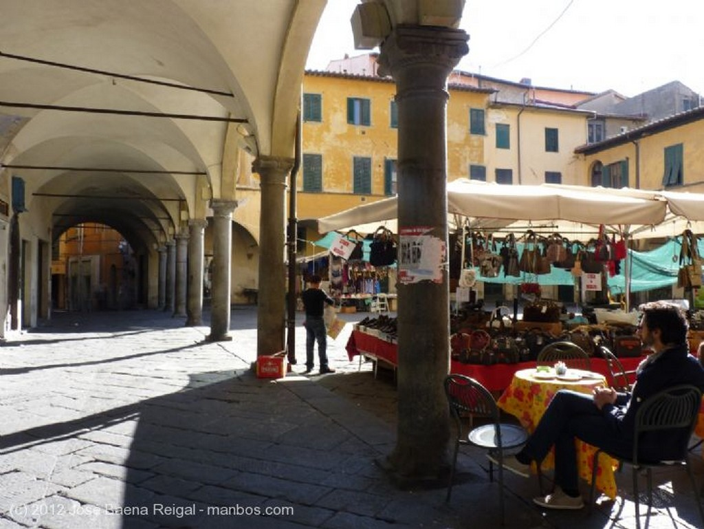 Pisa Remate decorativo Toscana