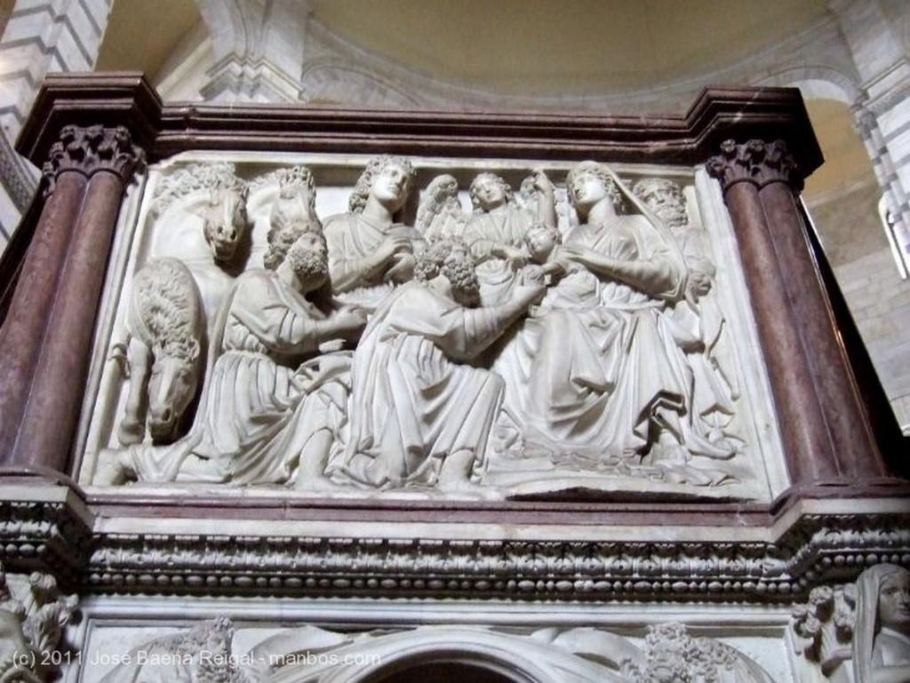 Pisa Pulpito de Nicola Pisano Toscana