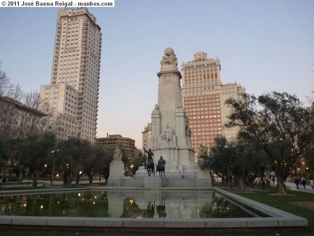 Madrid Monumento a Cervantes Madrid