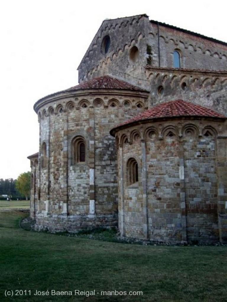 Pisa Basilica de San Pietro a Grado Toscana
