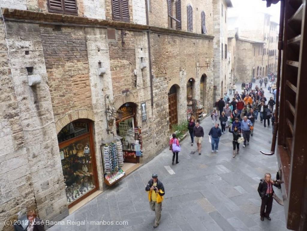 San Gimignano La fachada de enfrente Siena