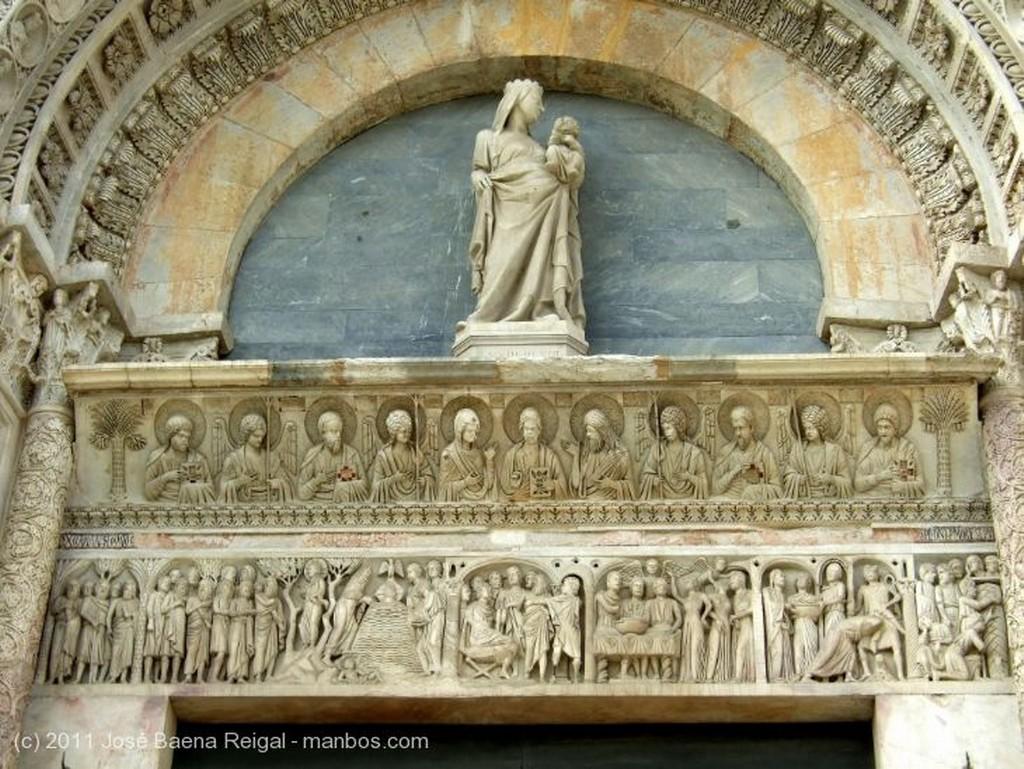 Pisa Cupula inconfundible Toscana