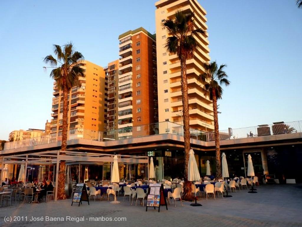 Malaga Con Gibralfaro al fondo Malaga