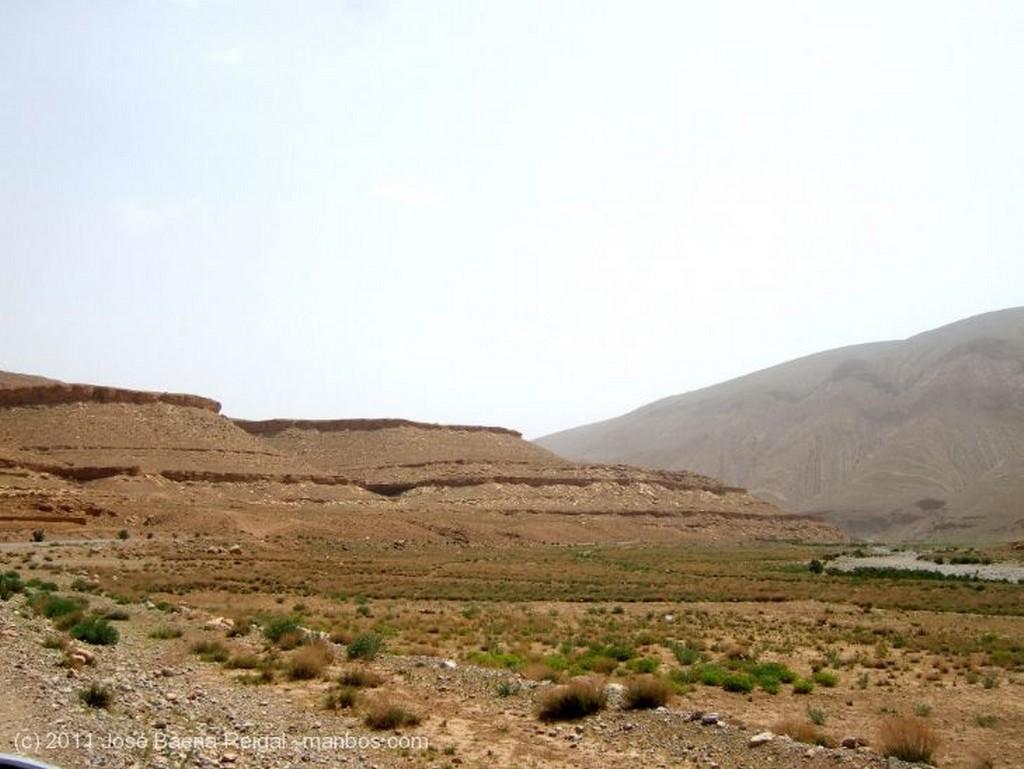Gargantas del Todra Cerro muy erosionado Ouarzazate