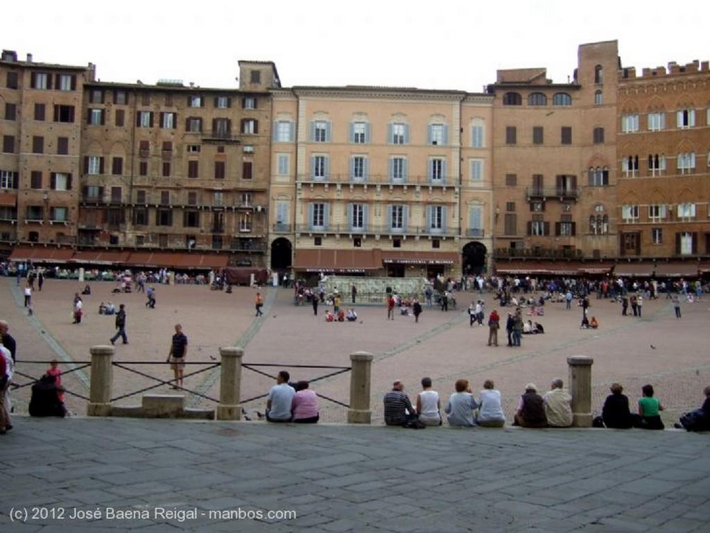 Siena Palazzo Pubblico y Torre del Mangia Toscana