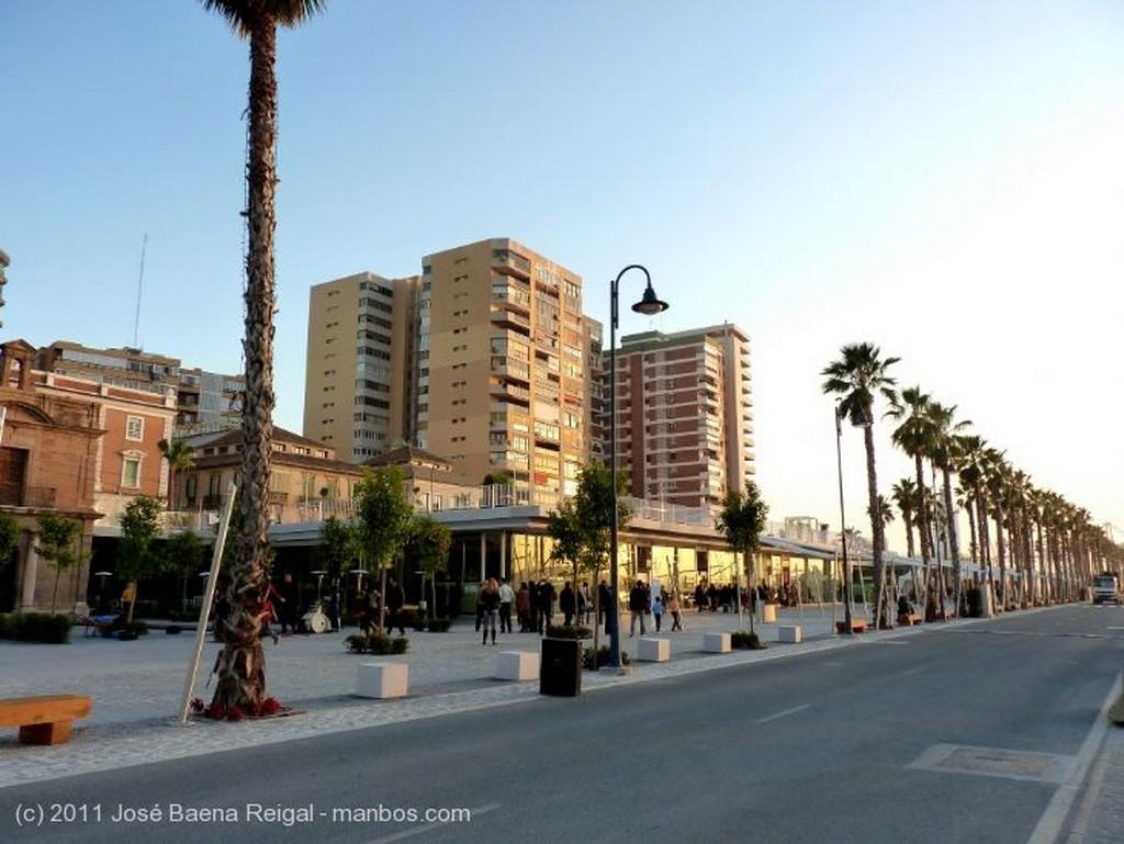 Malaga A la puesta del sol Malaga