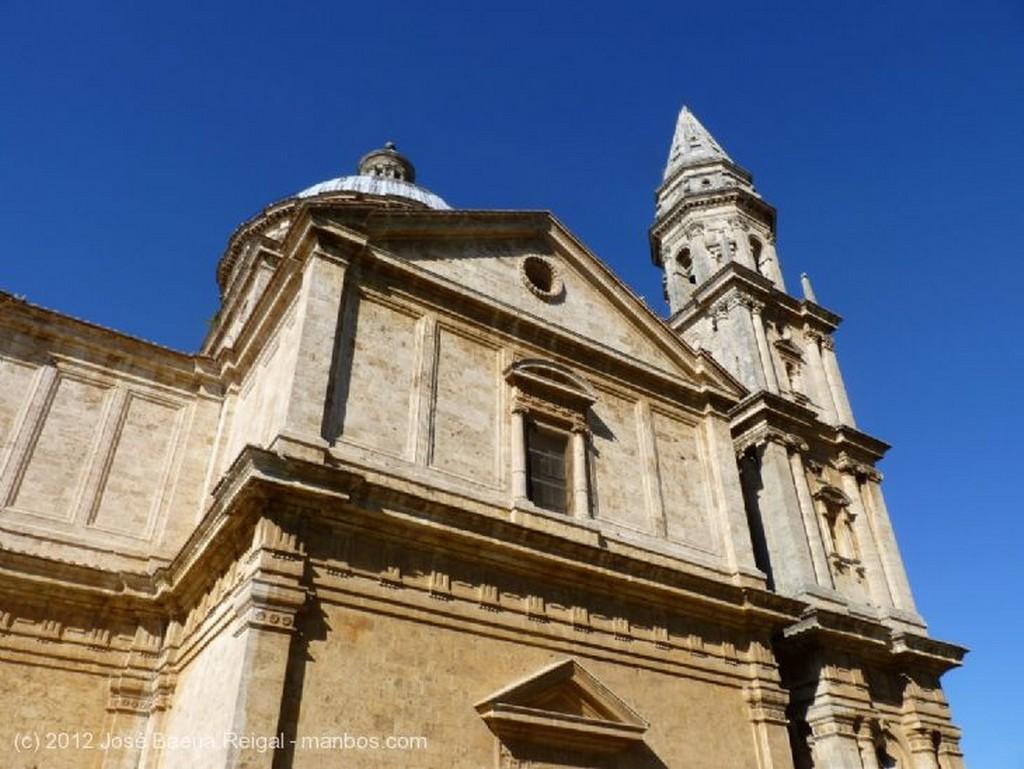 Montepulciano Detalle de la torre Siena