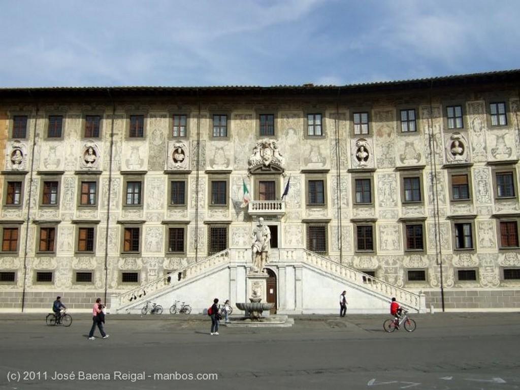 Pisa Palazzo della Carovana Toscana