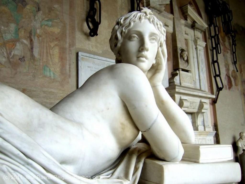 Pisa Monumento funerario neoclasico Toscana