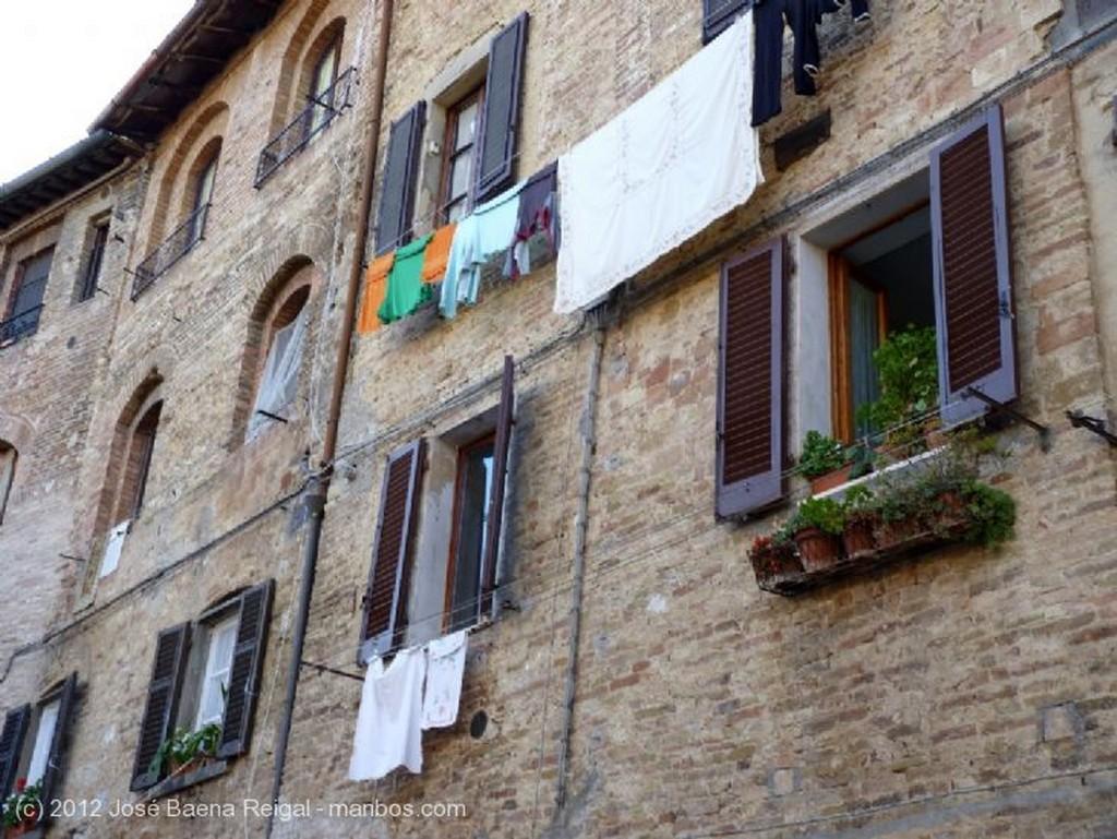 San Gimignano Calles intimas Siena
