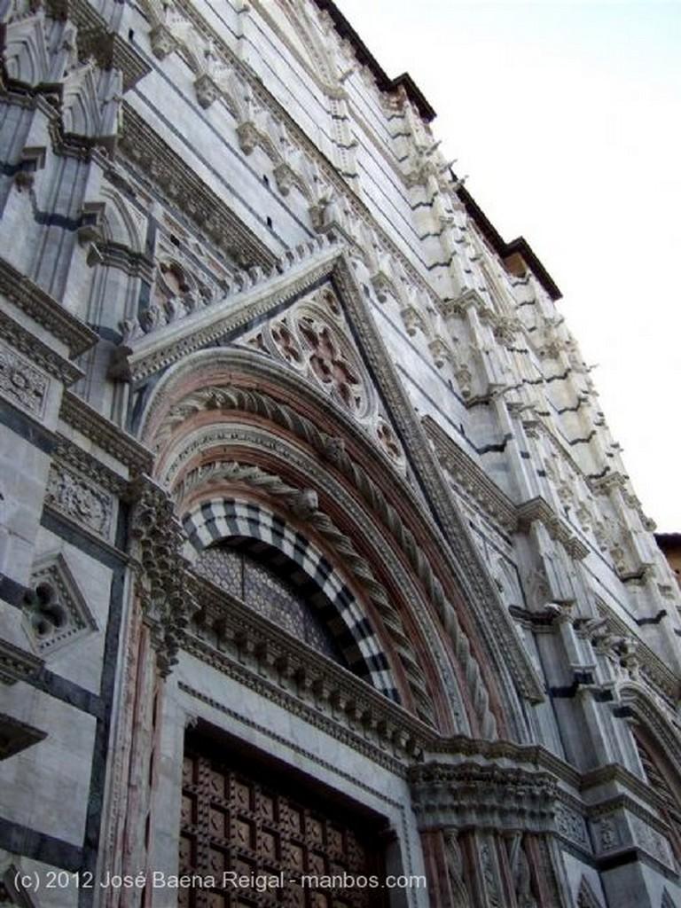 Siena Fachada principal Toscana