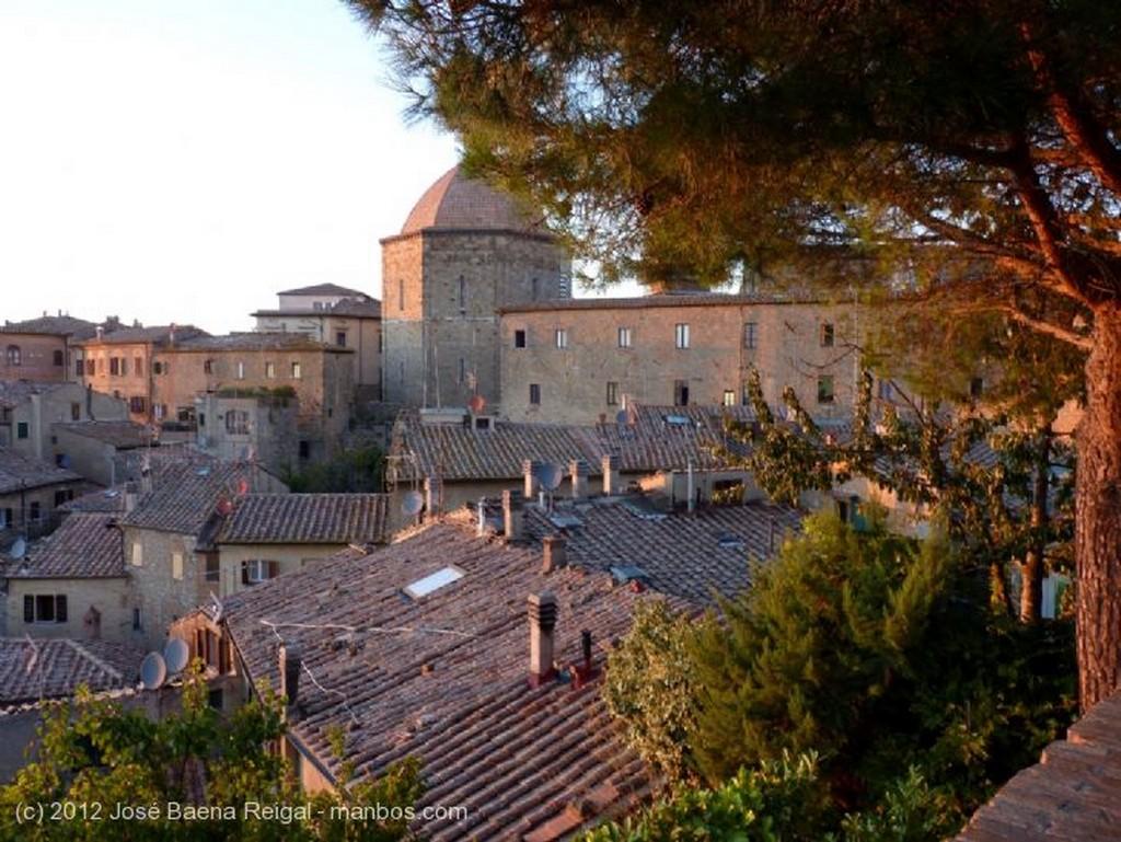 Volterra Ultimos rayos de sol Pisa