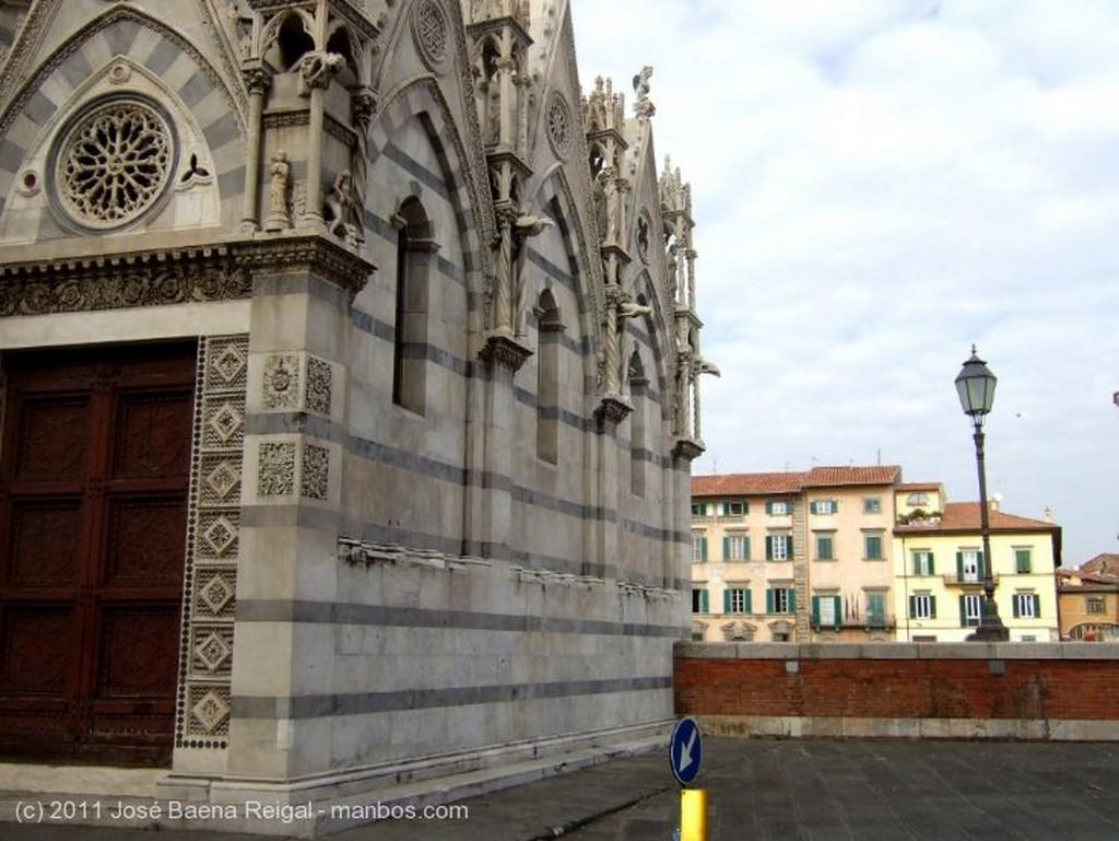 Pisa Perspectiva con farol Toscana