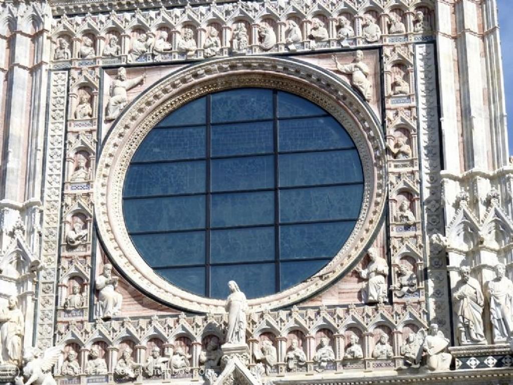 Siena Detalle de la fachada Toscana