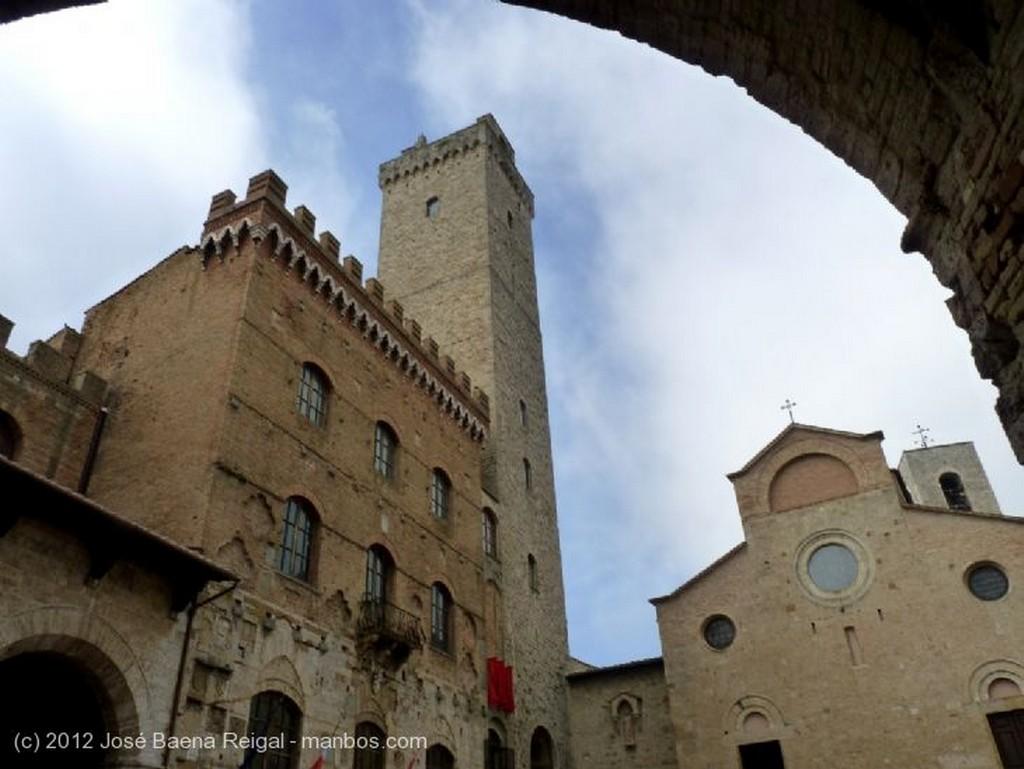 San Gimignano Colegiata de Santa Maria Assunta Siena