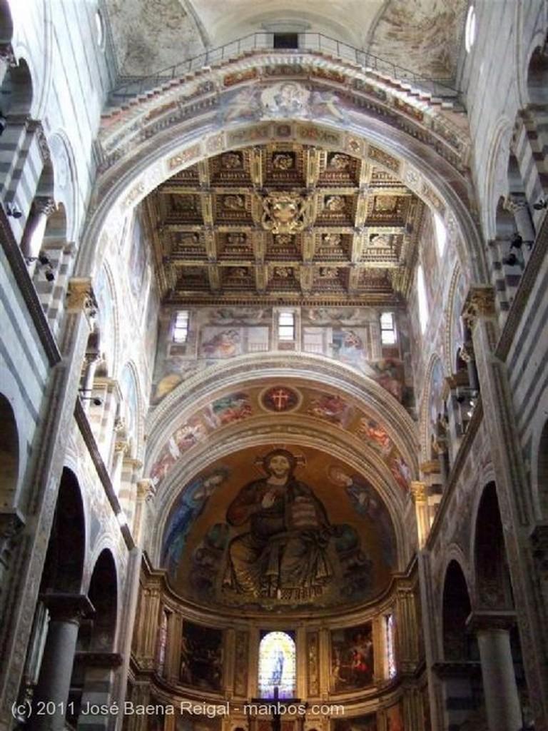 Pisa Cupula del crucero Toscana