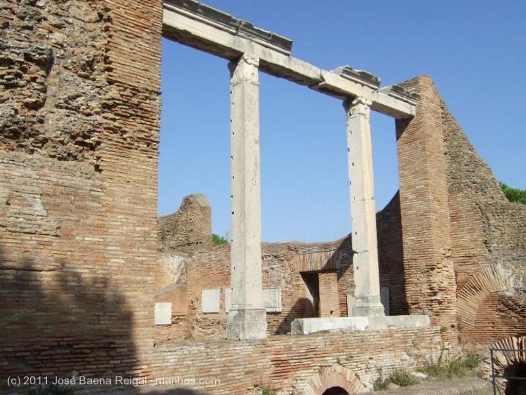 Ostia Antica Horizonte de ruinas Roma