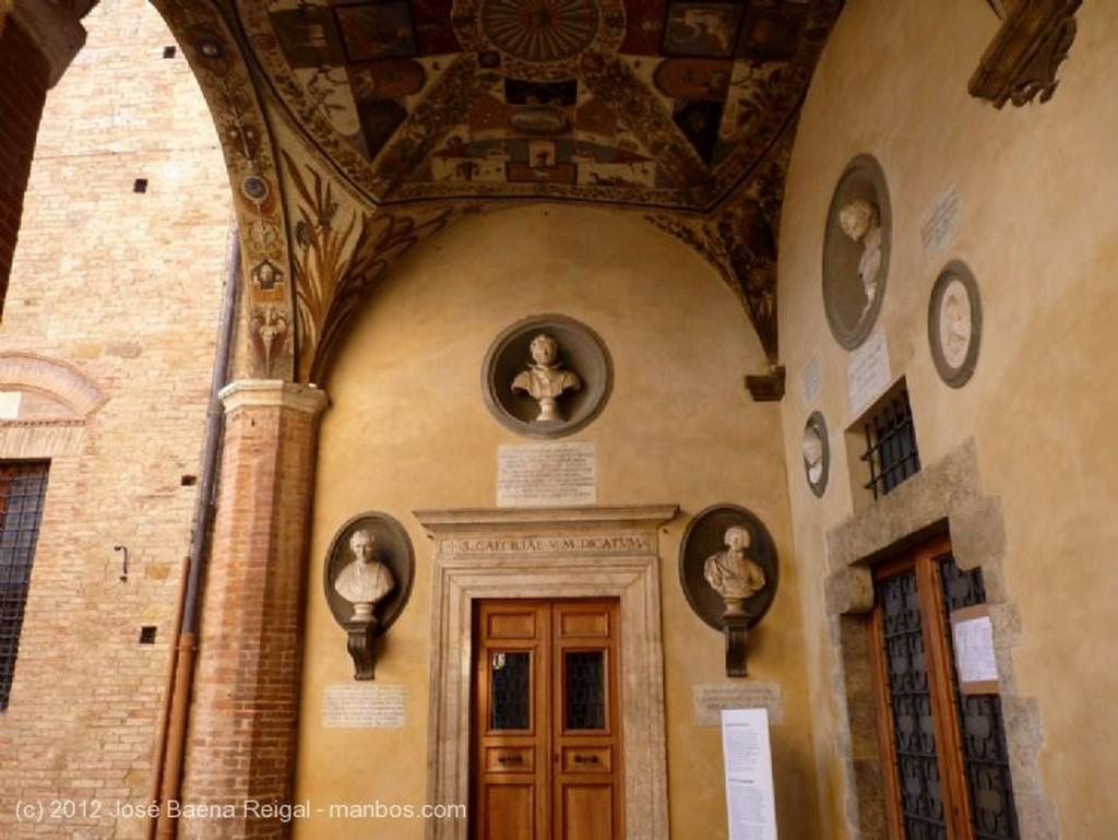 Siena Patio principal Toscana