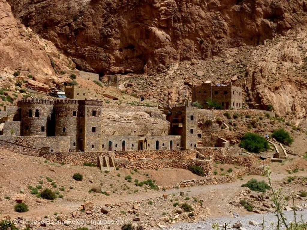 Gargantas del Todra Formaciones calizas Ouarzazate