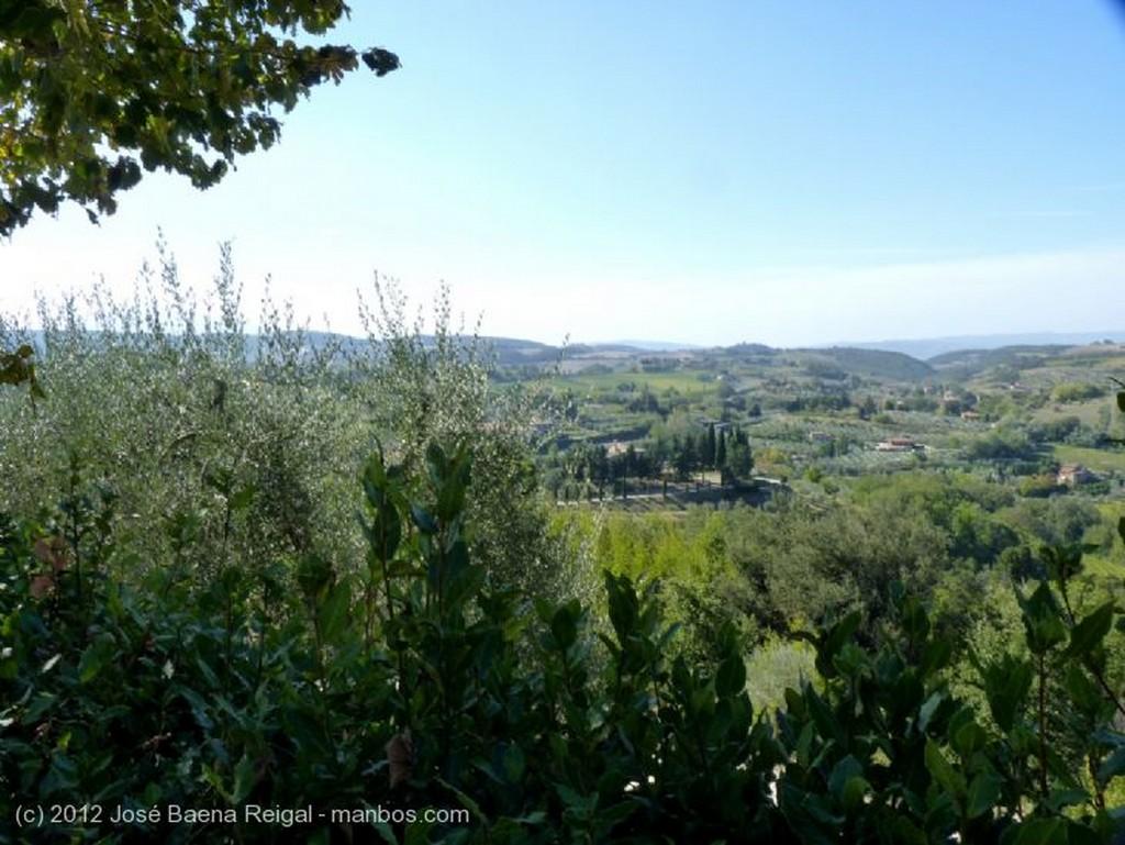 Montepulciano Mirador sobre las colinas Siena